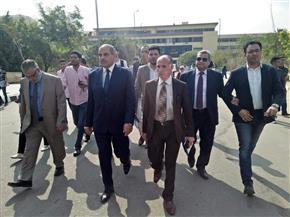 رئيس جامعة الأزهر يتفقد لجان الامتحانات بفرع الدراسة