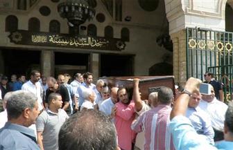 تشييع جنازة سمير خفاجي من مسجد السيدة نفيسة بحضور نجوم الفن والثقافة | صور