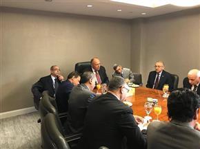 وزير الخارجية يجري حوارا مع رؤساء تحرير ومجالس إدارات عدد من الصحف المصرية في نيويورك| صور
