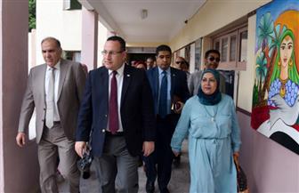 محافظ الإسكندرية يتفقد سير العملية التعليمية خلال جولته بالمدارس |صور