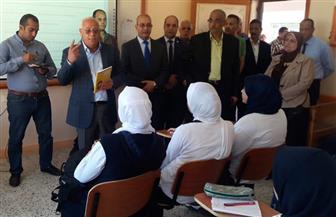 محافظ بورسعيد يشارك طلاب الثانوية العسكرية تحية العلم   صور