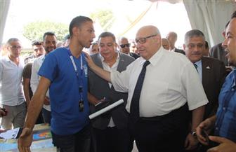 رئيس جامعة عين شمس يكرم مجلس اتحاد الطلاب | صور