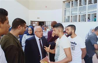 """عميد """"حقوق عين شمس"""" يستقبل الطلاب الجدد   صور"""