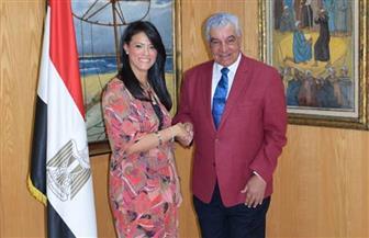 وزيرة السياحة تلتقي زاهي حواس