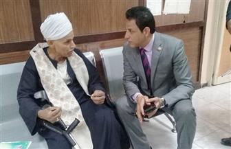 نائب محافظ القاهرة يعيد فتح كشك لمواطن ويعفيه من 16 ألف جنيه غرامات | صور