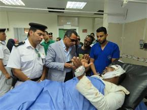 مدير أمن الإسماعيلية يتفقد المصابين من التلاميذ في الحادث المروري   صور