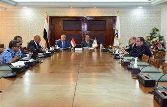 وزير التنمية المحلية يستقبل محافظ أسوان لبحث عدد من المشروعات | صور