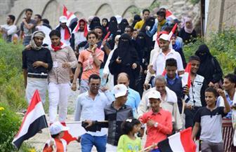 اليمنيون يحتفلون بعيدهم الوطني على أنغام الحرب الطاحنة