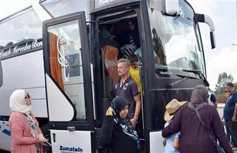 عودة دفعة جديدة من العائلات السورية المهجرة إلى قراهم في حماة وحلب وإدلب
