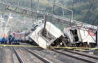 إصابة 10 أشخاص في انحراف قطار عن مساره في باكستان