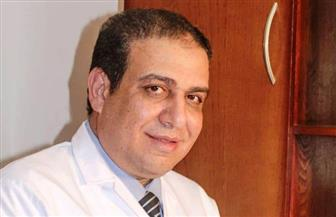 أستاذ جراحات المخ والأعصاب يوضح الأمراض الخطيرة التي تتسبب فيها هشاشة العظام