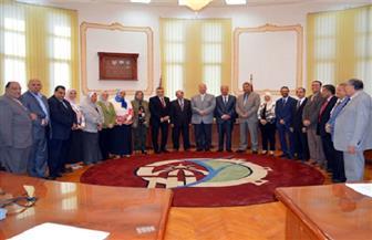 اعتماد تعيين مديرين جدد للمشروعات والمراكز في اجتماع مجلس جامعة الفيوم |صور