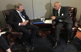 أبو الغيط يبحث مع المفوض الأوروبي لسياسة الجوار ملفات القمة العربية الأوروبية