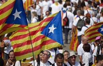 محتجون يشتبكون مع الشرطة في خامس أيام الاحتجاجات في كتالونيا