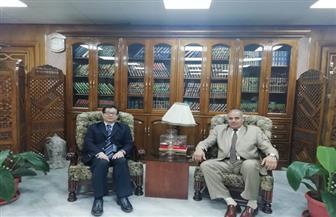 رئيس جامعة الأزهر يبحث مع المستشار التعليمي الصيني أوجه التعاون العلمي |صور