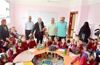 نائب محافظ بورسعيد يتفقد مدرسة الشهيد محمد الحسينى بالحي الإماراتي | صور