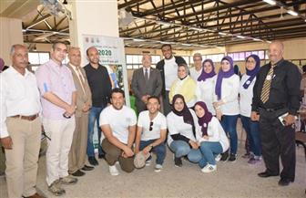 رئيس جامعة أسيوط يتفقد أعمال الكشف الطبي على الطلاب الجدد| صور