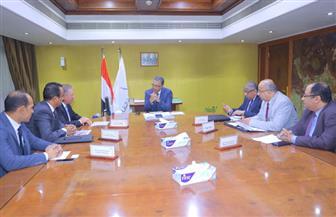 وزير النقل يبحث مع وفد شركة قناة السويس عوامل جذب الخطوط الملاحية للموانئ المصرية
