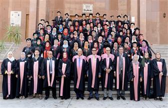 جامعة المنصورة تحتفل بتخرج الدفعة ٤٤ بكلية الصيدلة |صور