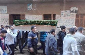 تشييع جثامين طبيبة كفرالشيخ وأطفالها الثلاثة في موكب جنائزي مهيب | صور