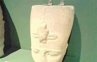 مدير عام متحف سوهاج: لا خطورة على رأس التمثال المثبت بأحد الجدران