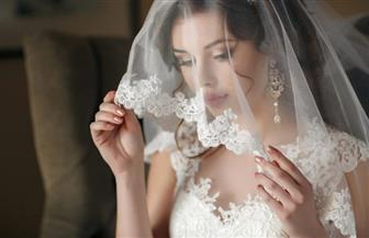 """""""العروسة تتزوج بشنطة ملابسها"""" فتوى تثير الجدل.. وعلماء دين: التعاون مطلوب لتفادي العنوسة"""