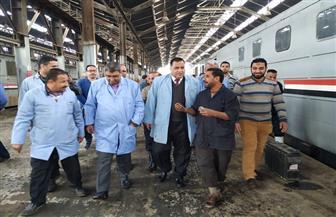 رئيس السكة الحديد يتفقد ورش فرز القاهرة وأعمال الصيانة لتحسين الخدمات | صور