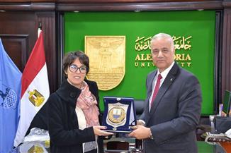 رئيس جامعة الإسكندرية يبحث مع القنصل الفرنسي التعاون المشترك