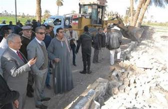 محافظ سوهاج يقود حملة لإزالة التعديات على أملاك الدولة بقرية الشيخ مكرم | صور