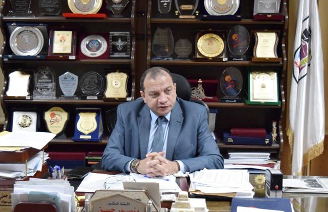 رئيس جامعة بني سويف يعلن عن منح مجانية لأطباء وزارة الصحة -