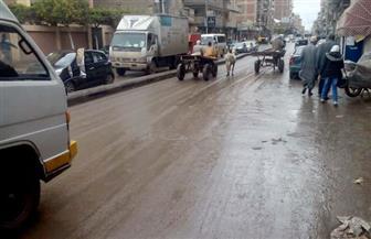 سقوط أمطار غزيرة على المدن الساحلية بدمياط.. وإعاقة حركة المرور