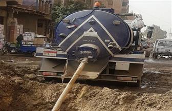 شركة مياه الجيزة تقوم بإصلاح خط 600 مم في أبو النمرس | صور