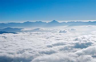 السحب الكثيفة تغطي سماء مدن البحر الأحمر.. واستمرار العمل بالمواني والمطارات