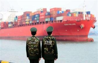 وول ستريت جورنال: وزير الخزانة الأمريكي يدرس رفع رسوم جمركية عن الصين