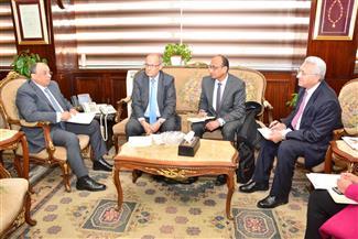 وزير التنمية المحلية يلتقي السكرتير الدائم للاتحاد الدولى لعموديات المدن الفرانكفونية
