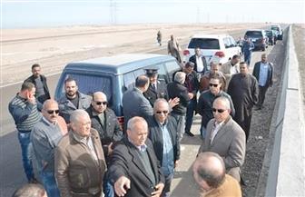 محافظ البحر الأحمر ورئيس شركة الريف المصري يتفقدان 3 آلاف فدان قبل زراعتها بالغردقة  صور