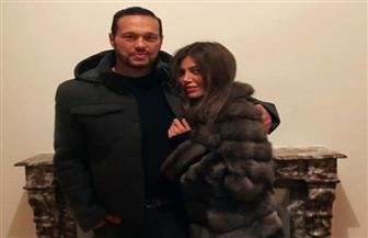 محمد-حلاوة-يغازل-زوجته-على-السجادة-الحمراء-
