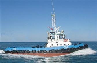 وصول قاطرة بحرية تابعة للبترول لموقع سفينة الصيد الغارقة بخليج السويس لمحاولة انتشالها