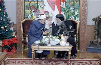 الإمام الأكبر يزور البابا تواضروس بمقر الكاتدرائية المرقسية للتهنئة بعيد الميلاد | صور