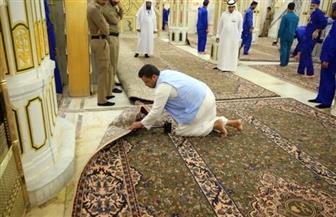 خلال شهر رمضان.. إنهاء أعمال تجديد سجاد ممر باب السلام وتبخير المسجد النبوي وتطييب زواره