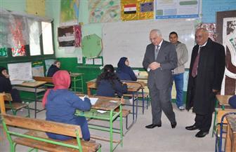 محافظ الجيزة: رفع أي مخلفات وإزالة الباعة الجائلين لمنع أي مصادر للضوضاء حول المدارس| صور