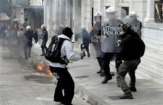 الشرطة اليونانية تطلق الغاز المسيل للدموع على مهاجرين محتجين في جزيرة ليسبوس