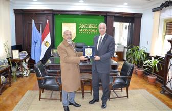 سفير تشاد بالقاهرة يشيد بجهود جامعة الإسكندرية لدعم بلاده | صور