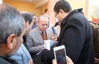 محافظ كفرالشيخ يستمع لأهالى قريتي الشون وإبطو بدسوق ويكلف بحل مشكلاتهم   صور