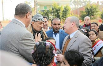 محافظ كفرالشيخ يلتقي بأهالي قرية كفر مجر بدسوق ويستمع لطلباتهم   صور