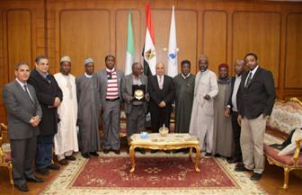 رئيس جامعة كفرالشيخ يستقبل وفدا من المجلس الأعلى للجامعات النيجيرية