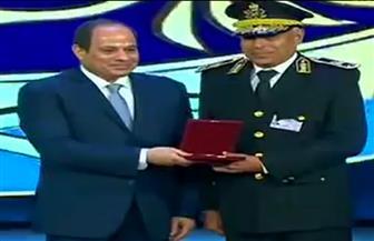 الرئيس السيسي يكرم عددا من ضباط الشرطة في قطاعات مختلفة بوزارة الداخلية