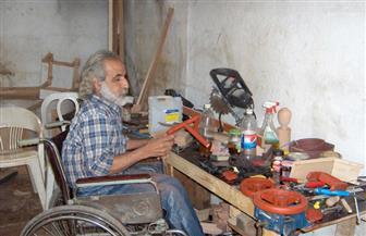 نجار أردني يحارب الإعاقة بالإبداع