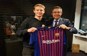 رسميا.. برشلونة يخطف هدف باريس سان جيرمان دى يونج