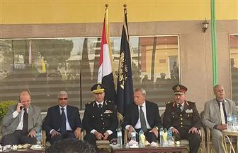 """أمين """"مستقبل وطن"""" قنا يضع إكليلا من الزهور على شهداء الشرطة بحضور المحافظ ومدير الأمن"""